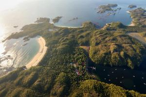 Calvert Island aerial with field station_Grant Callegari_small